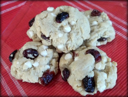 vegan white chocolate chip cranberry cookies